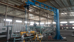 Cantilever crane applied in stone processing industry